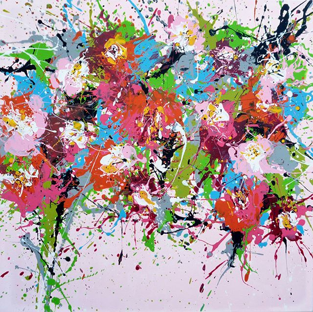 February calls for colorful ISABELLE PELLETANE paintings! Her large-scale abstract flower paintings are GORGEOUS! More on the site today: http://bit.ly/2nVf7Nc
