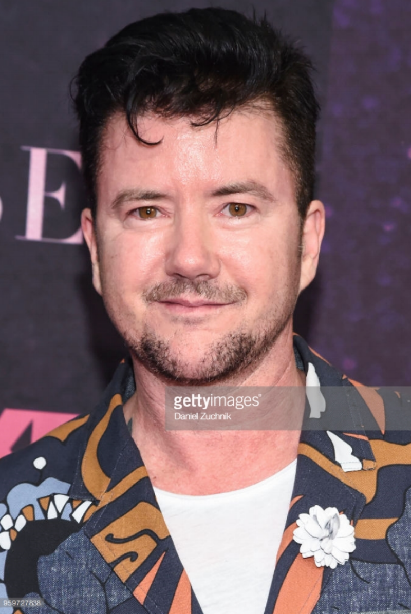 Silas Howard attends the New York premiere of FX series 'Pose' at Hammerstein Ballroom on May 17, 2018 in New York City wearing Fleur'd Pins White Leather Dahlia.png