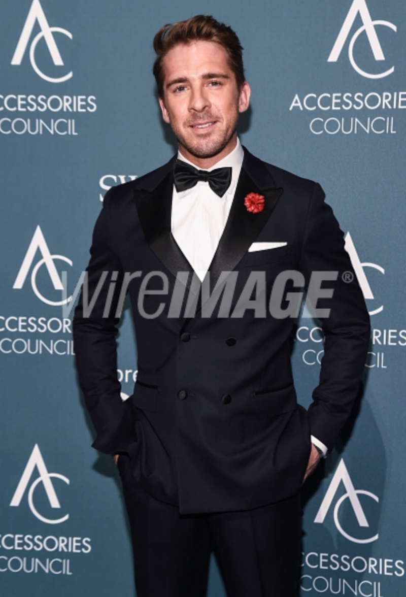 Hugh Sheridan attends the 22nd Annual Accessories Council ACE Awards at Cipriani 42nd Street on June 11, 2018 in New York City wearing Fleur'd Pins.png