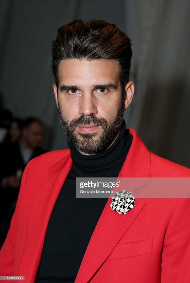 Christian Bendek attends Todd Snyder FW19 wearing Fleur'd Pins Houndstooth Ponyhair Gardenia on 2.4.19 portrait.png