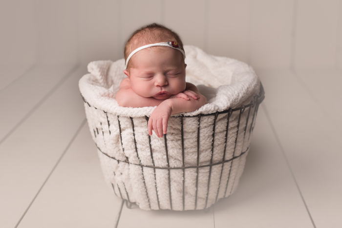 Kelowna newborn photography