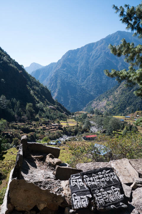 On the way east from Lukla