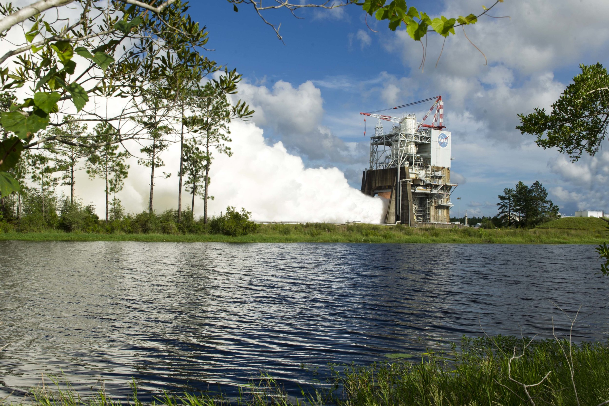 s16-081_ssc-20160818-s00653_rs-25_engine_test.jpg