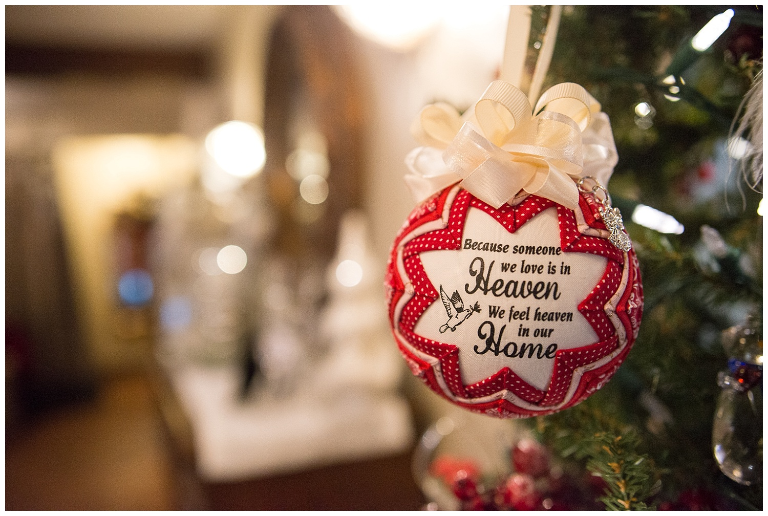 A memorial ornament that was given to Chandra by her Aunt Fritz, Dee's sister.