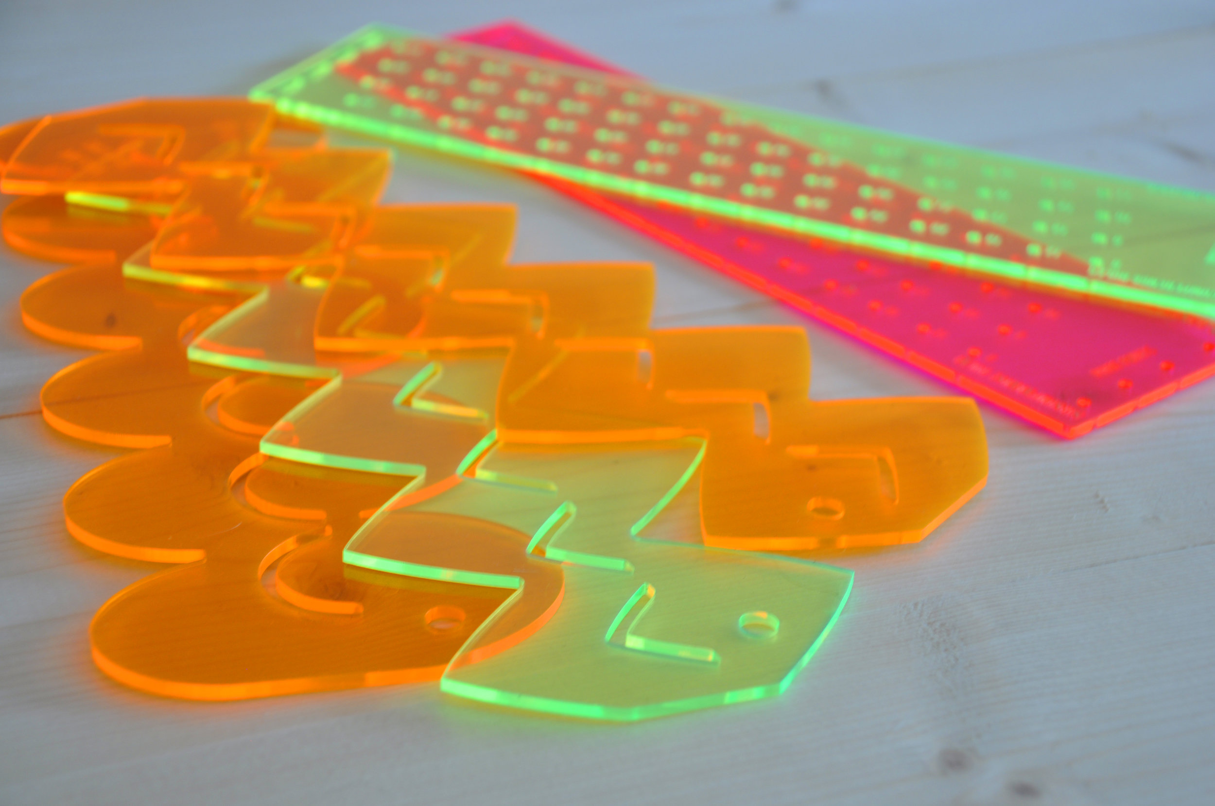 Edgewater Workbench in Chicago offers laser cutting services.