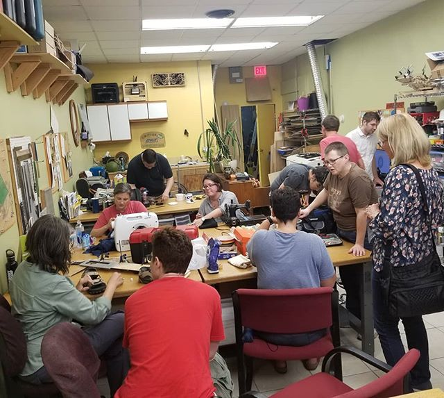 @communityglue is in full effect! #repair #repaircafe #community #communityglueworkshop #48thwardchicago #edgewaterchicago