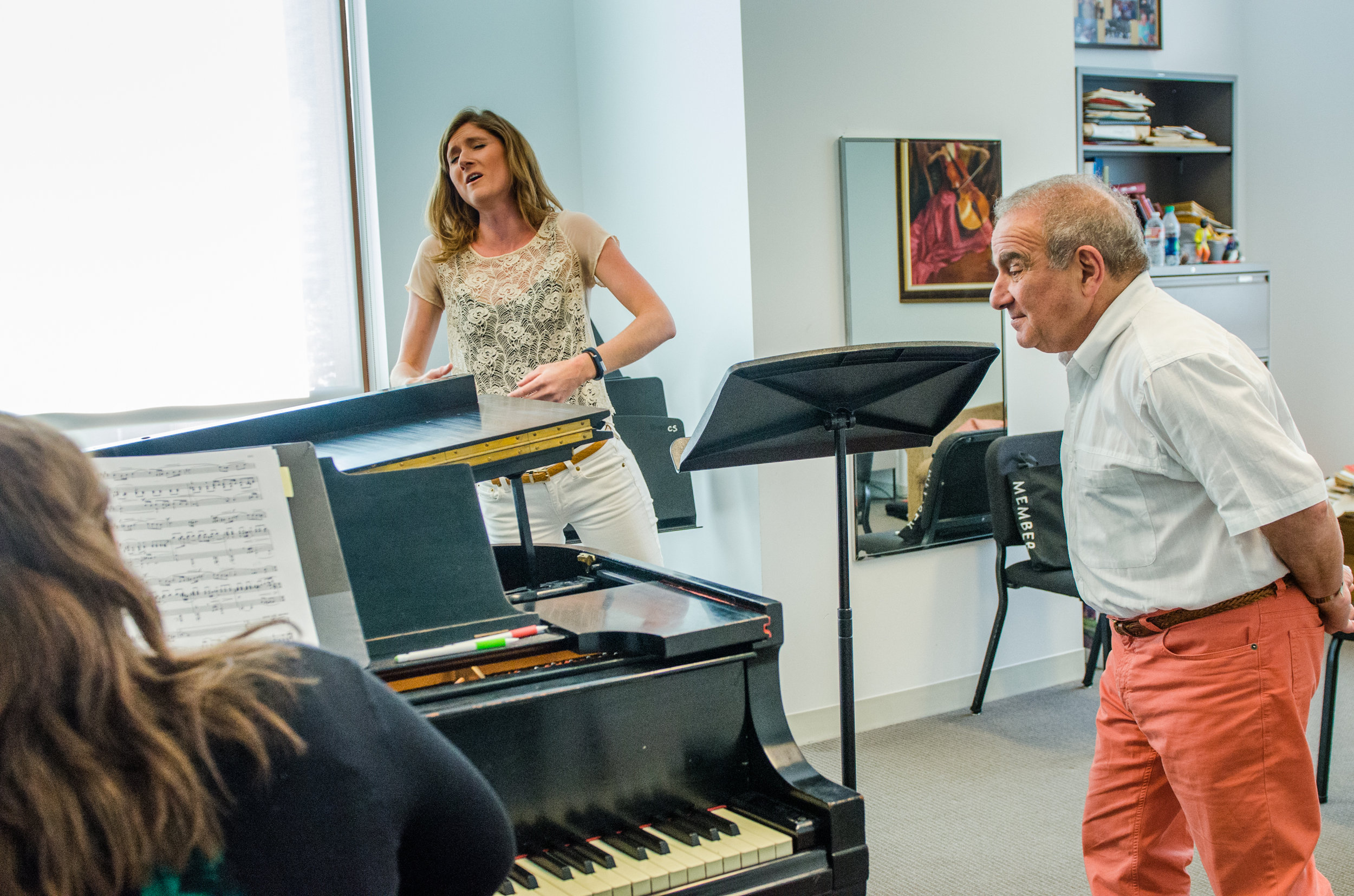 2015 Professional Fellows pianist Pauline Worusski and soprano Callie Wohletz in a private coaching with Martin Katz.