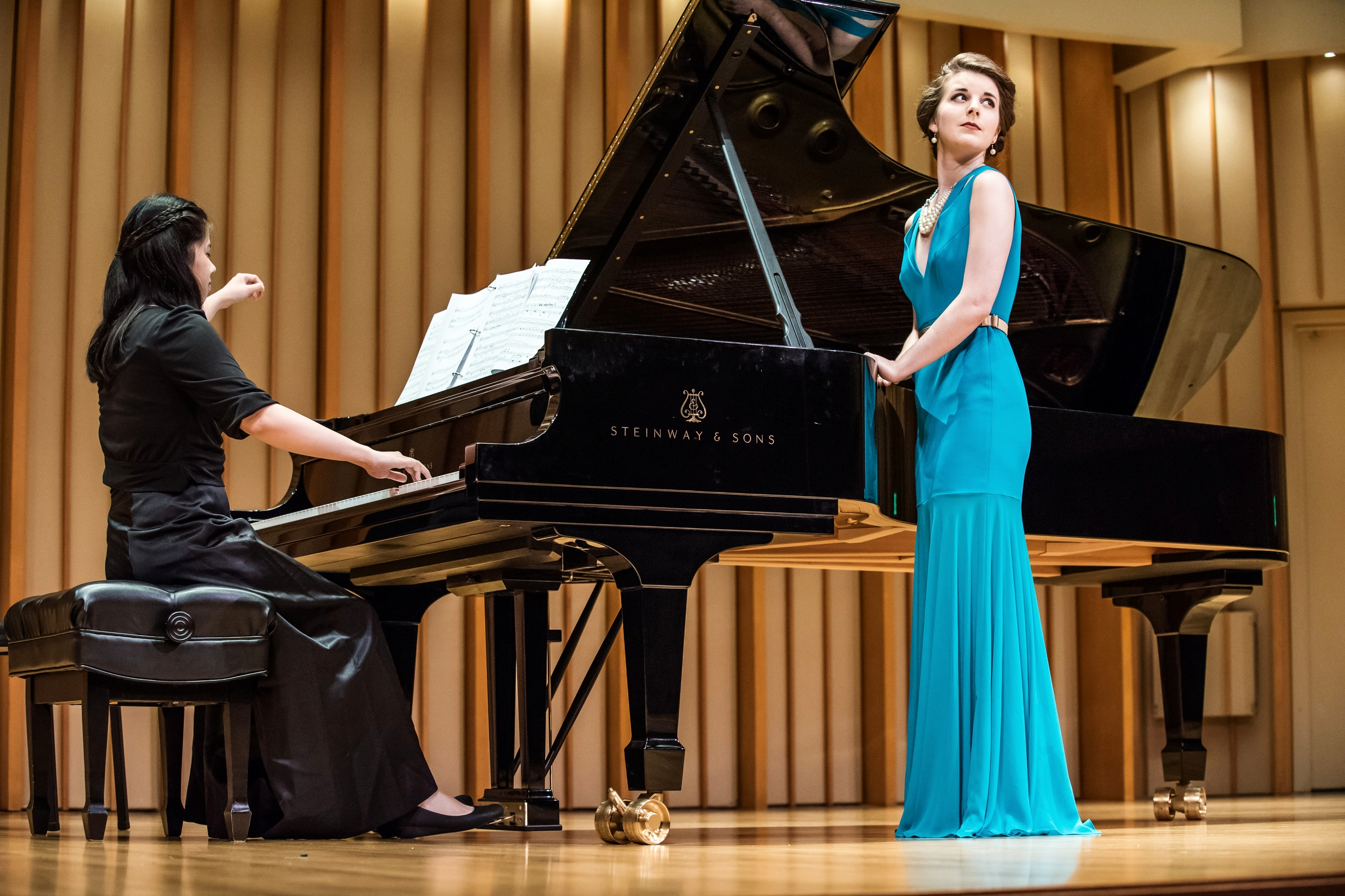 Simone McIntosh, mezzo-soprano and Leona Cheung, piano ©Jeanine Hill Photography