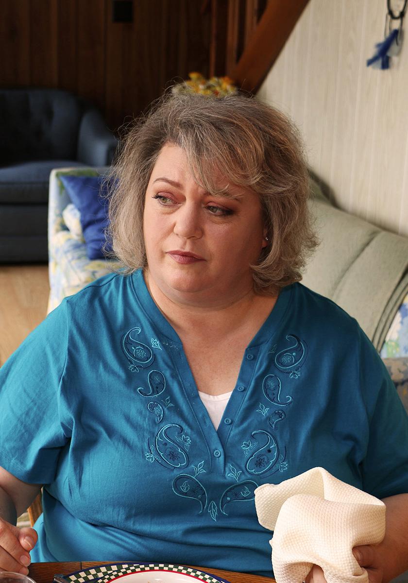 Helene Donohue as Gwen in Lake Runs Red
