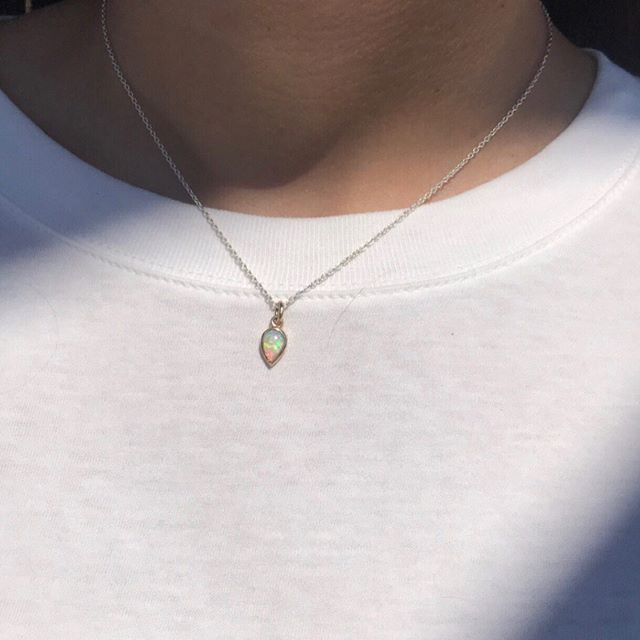 Finally getting around to sharing some custom work: pictured here is an opal teardrop in 14k yellow gold created for one of my good friends. Her boyfriend wanted to create something meaningful and personal- I think we accomplished just that! From the stone choice to the special engraving on back, every detail has a personal touch ❤️