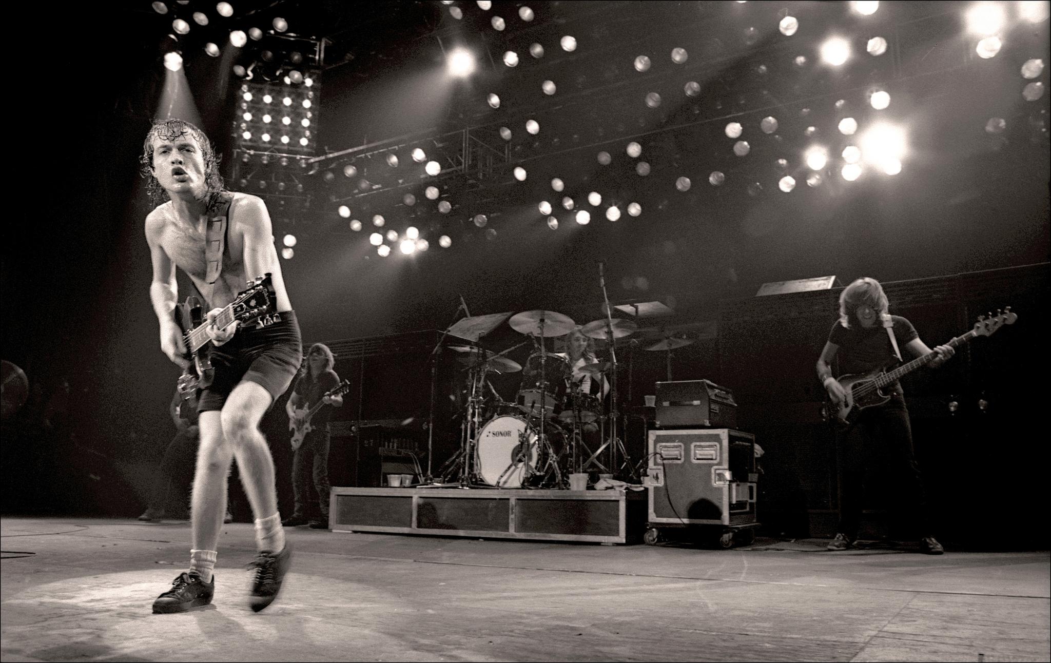 AC/DC - Manchester Apollo - 1982AC/DC,Harry Potts