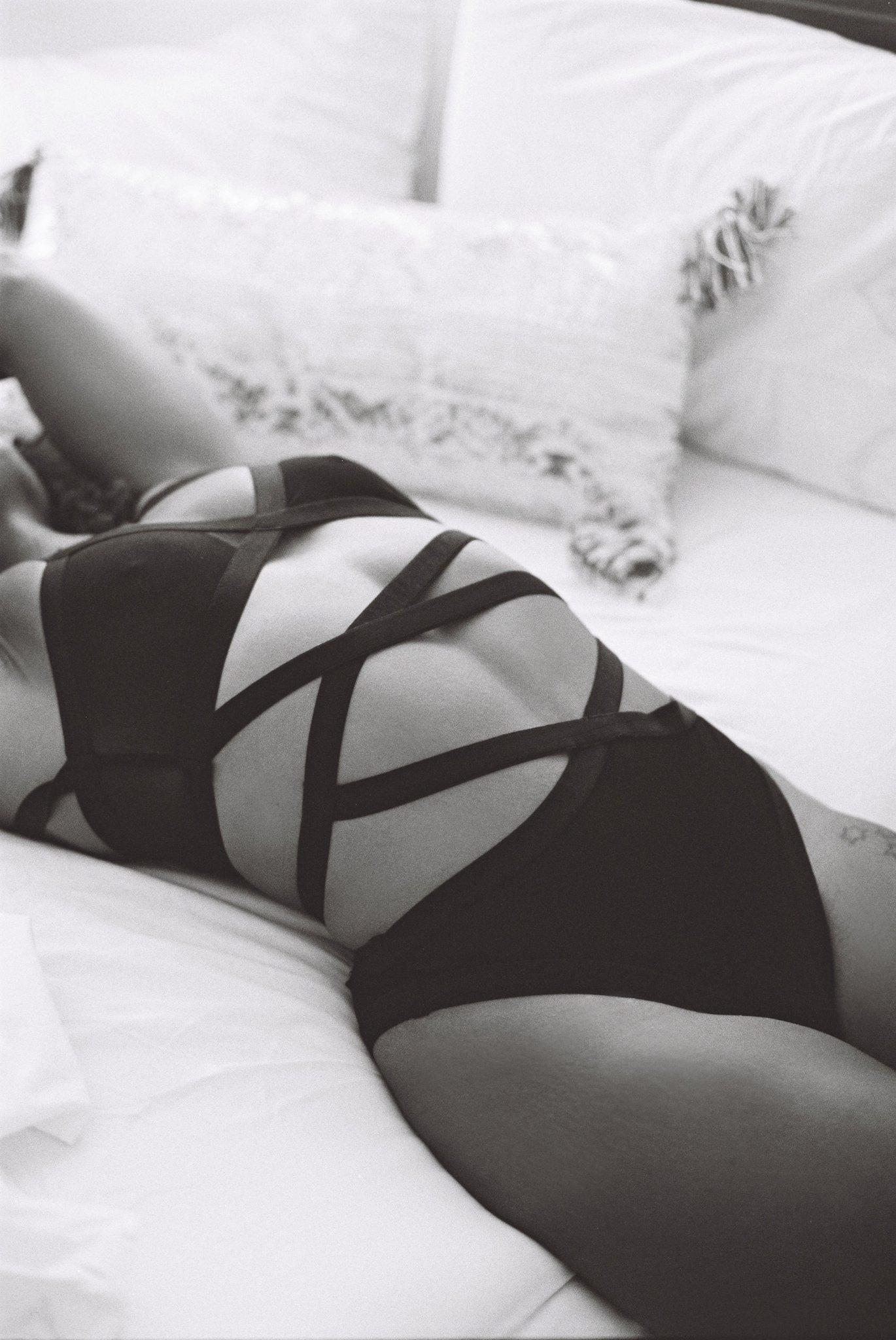 Rebecca Sigala Boudoir_0011.jpg