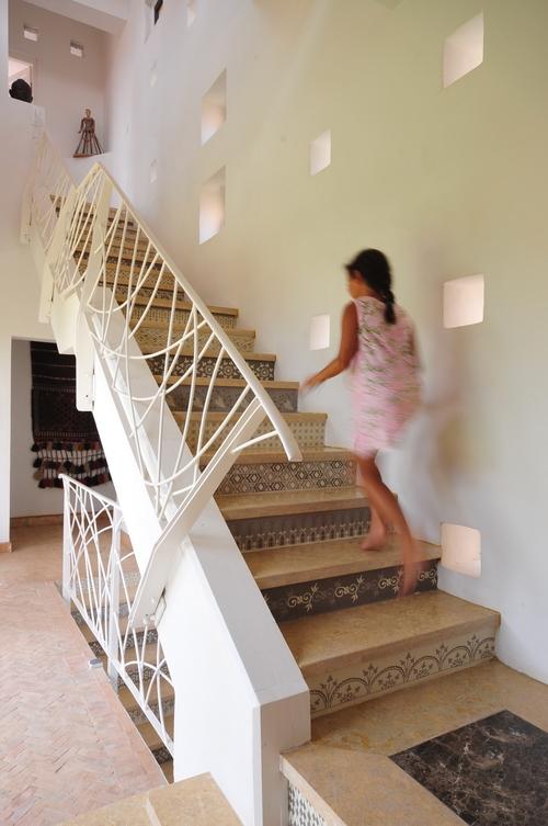 5_MEDINA_Stairway.jpg