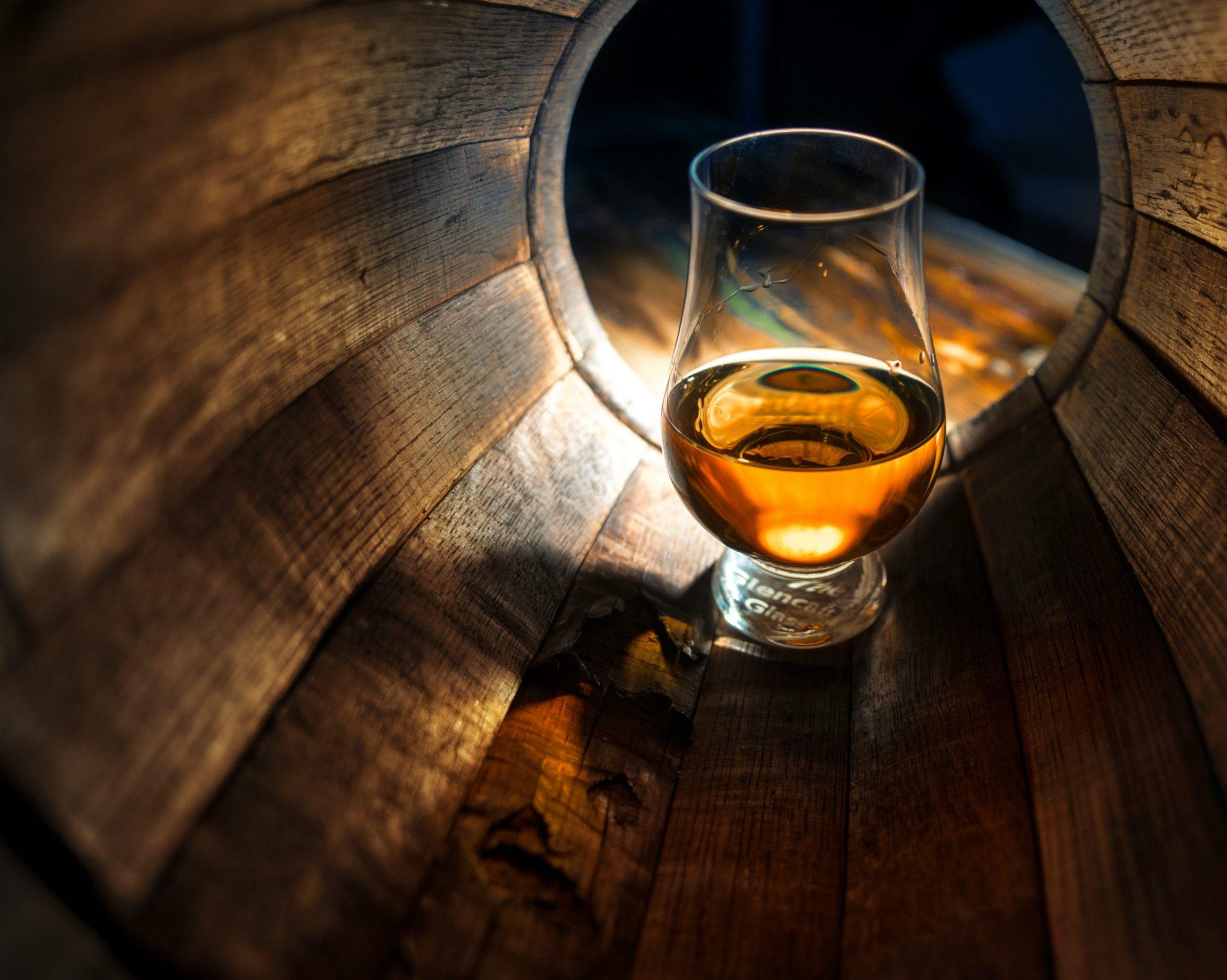 shutterstock_356984585whisky.jpg