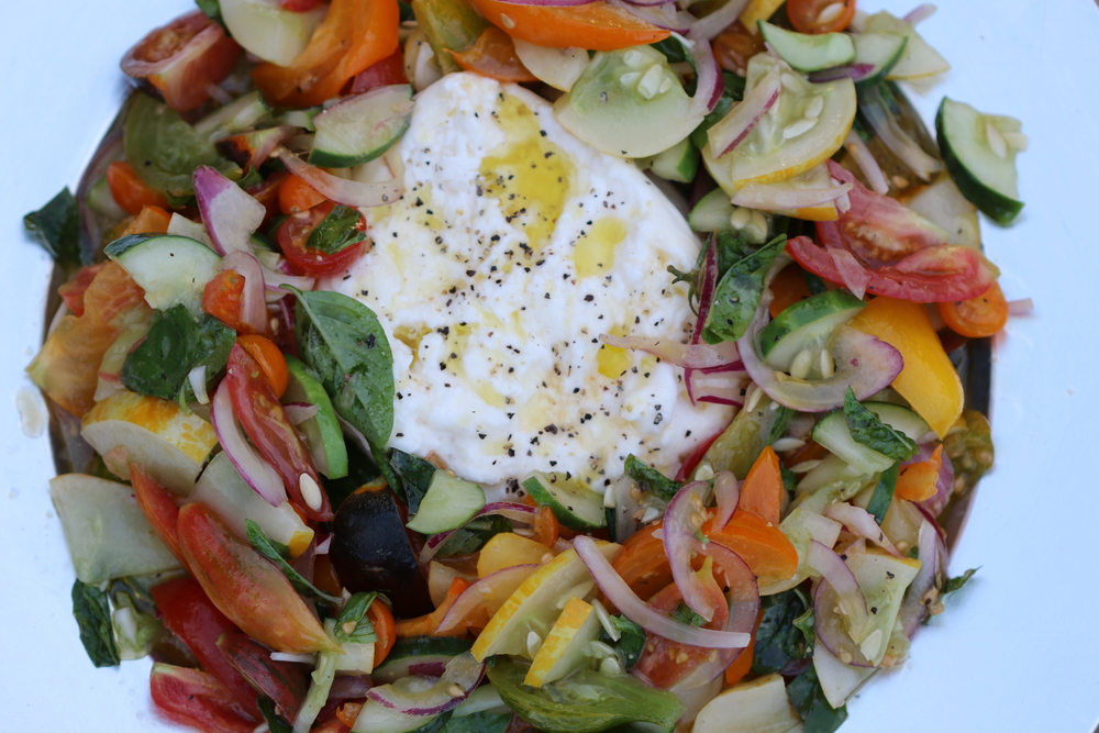 heirloom tomato and buratta salad.jpeg