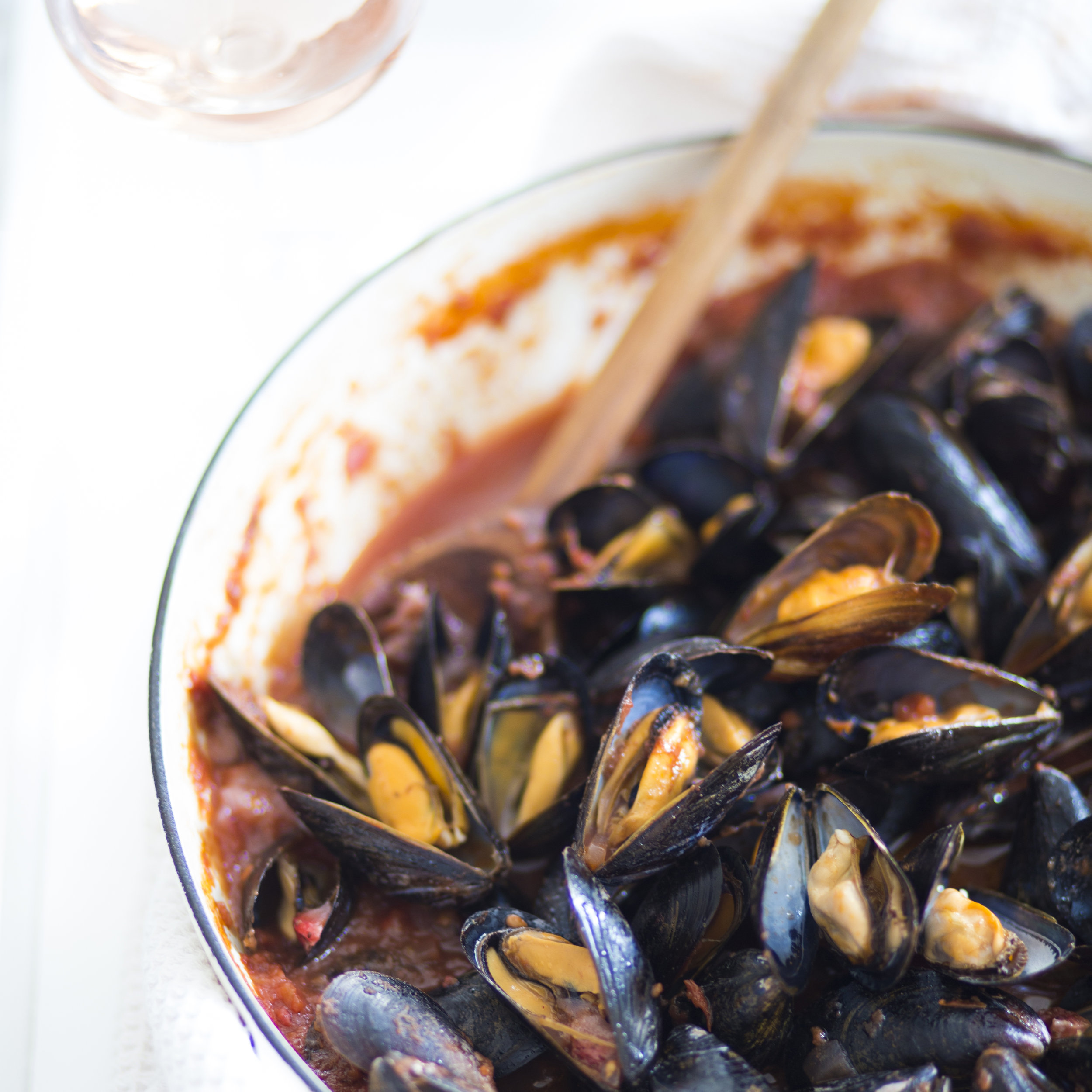 strawberry tomato rosé mussels
