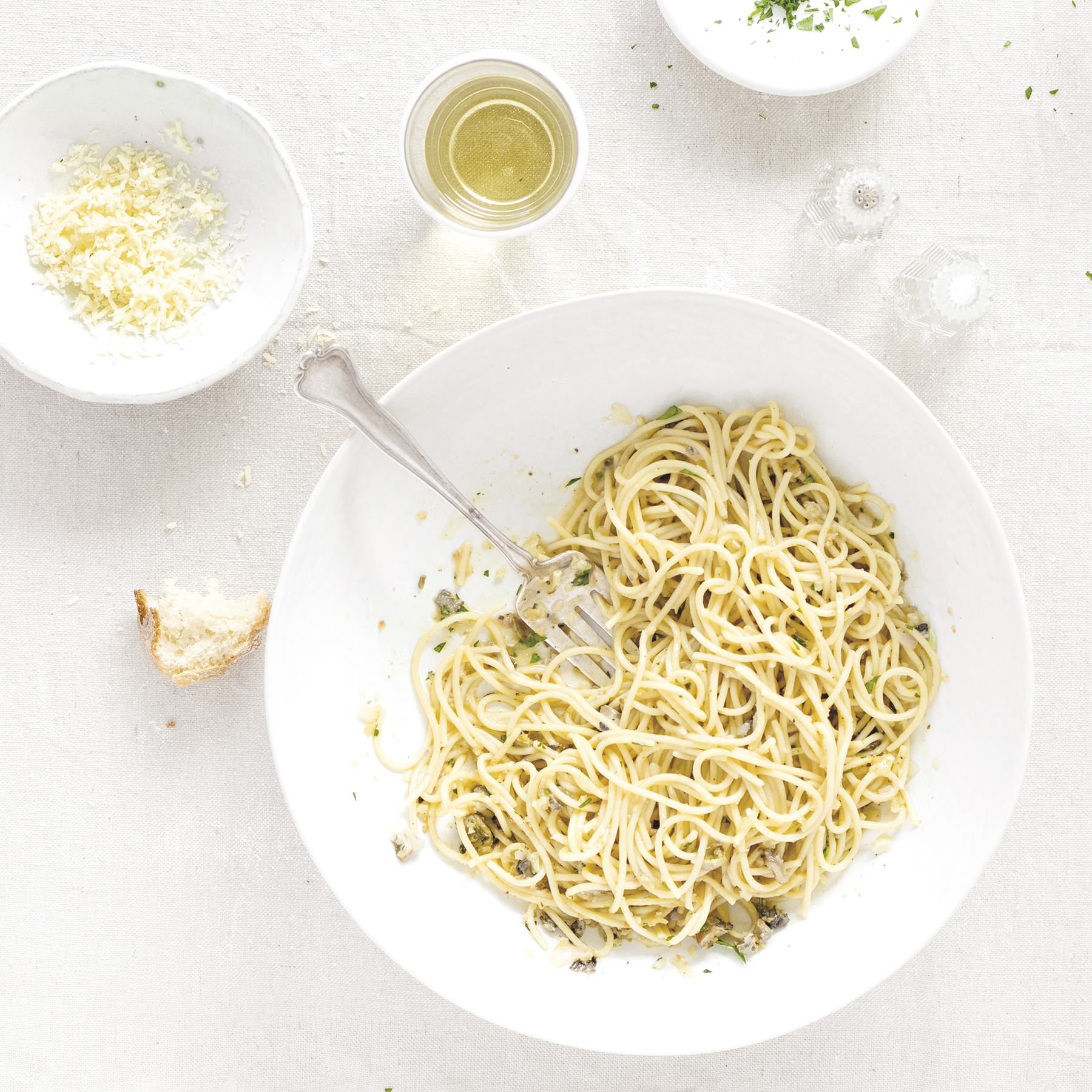 spaghetti with smoked oysters
