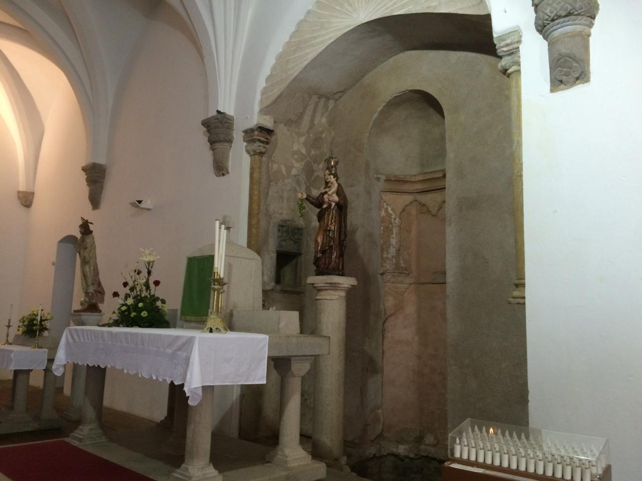 Inside the Catholic church in Mértola ...do you see the bird?