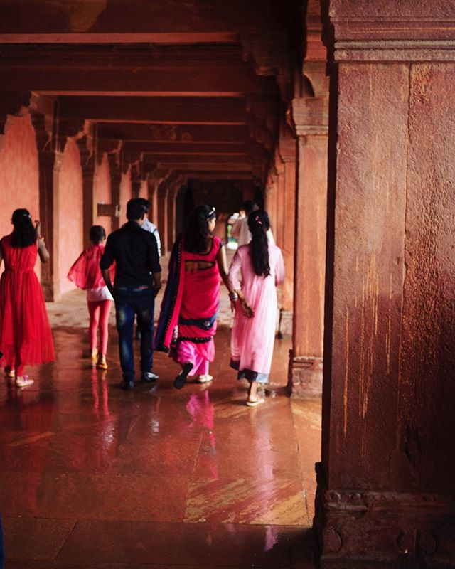 All shades of red at the City of Victory #colour #red #mughalarchitecture #photography #india #fatehpursikri #shotonolympus