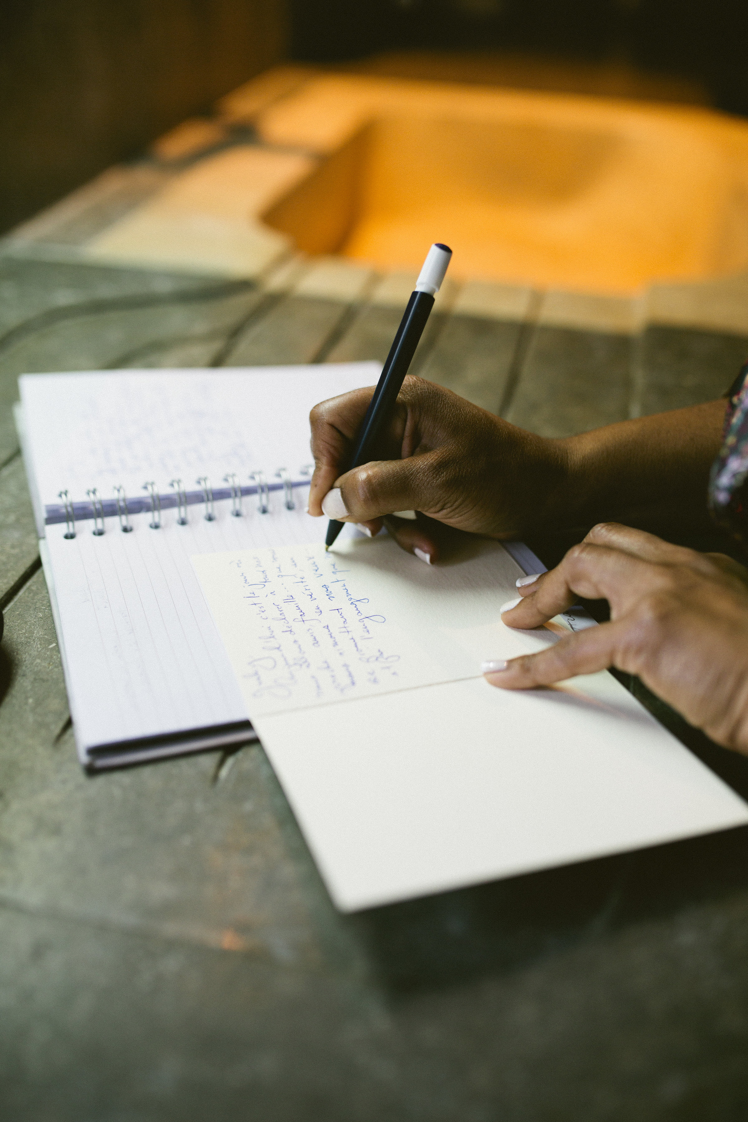 Note writing on your wedding day | Of Note Stationers | Amy Emily Photography