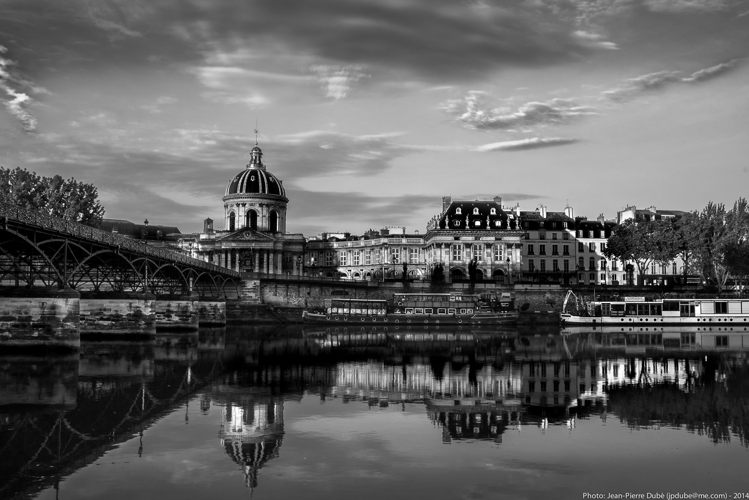 Pont des Arts, La Seine