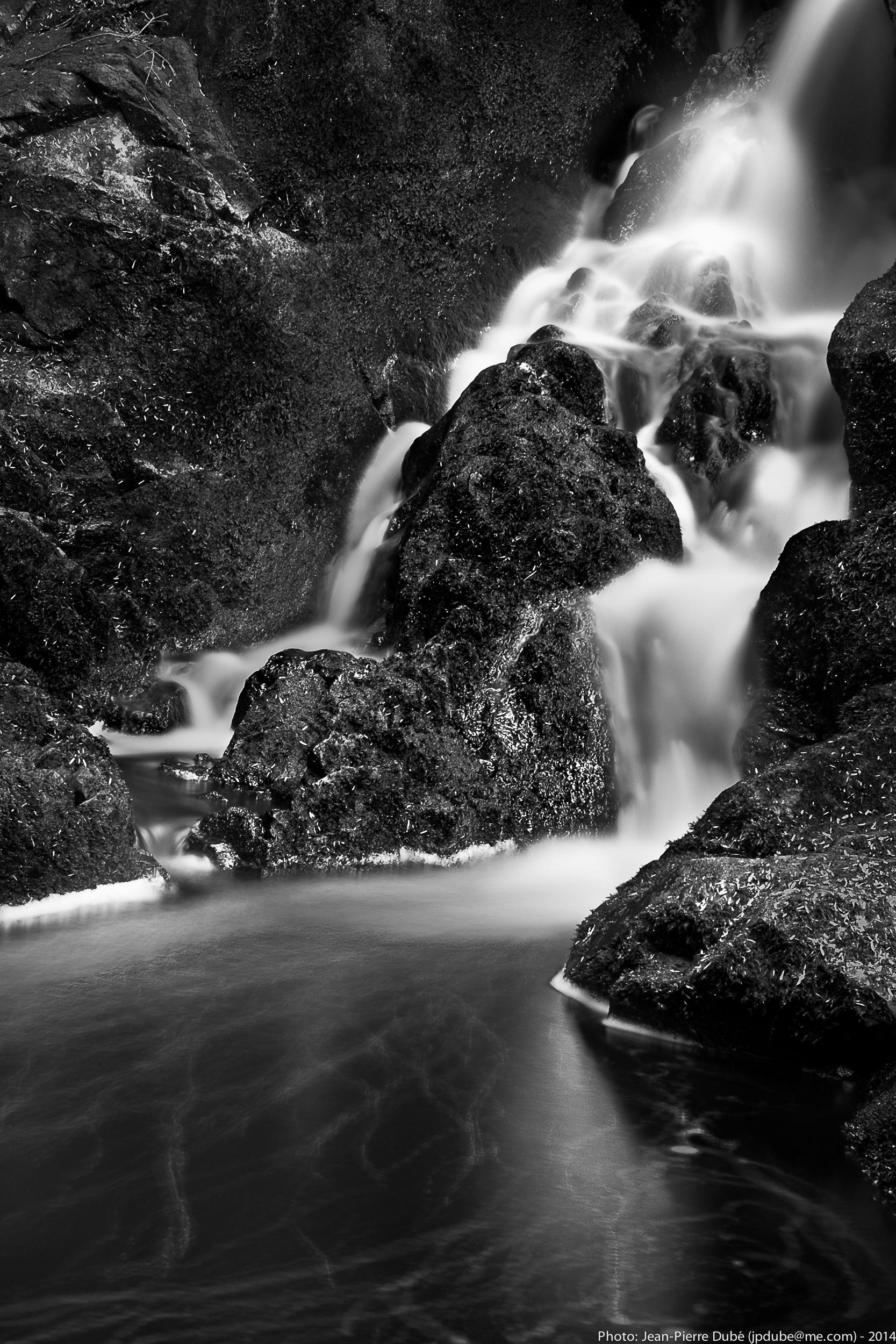 Waterfall Lac Grothé, Québec