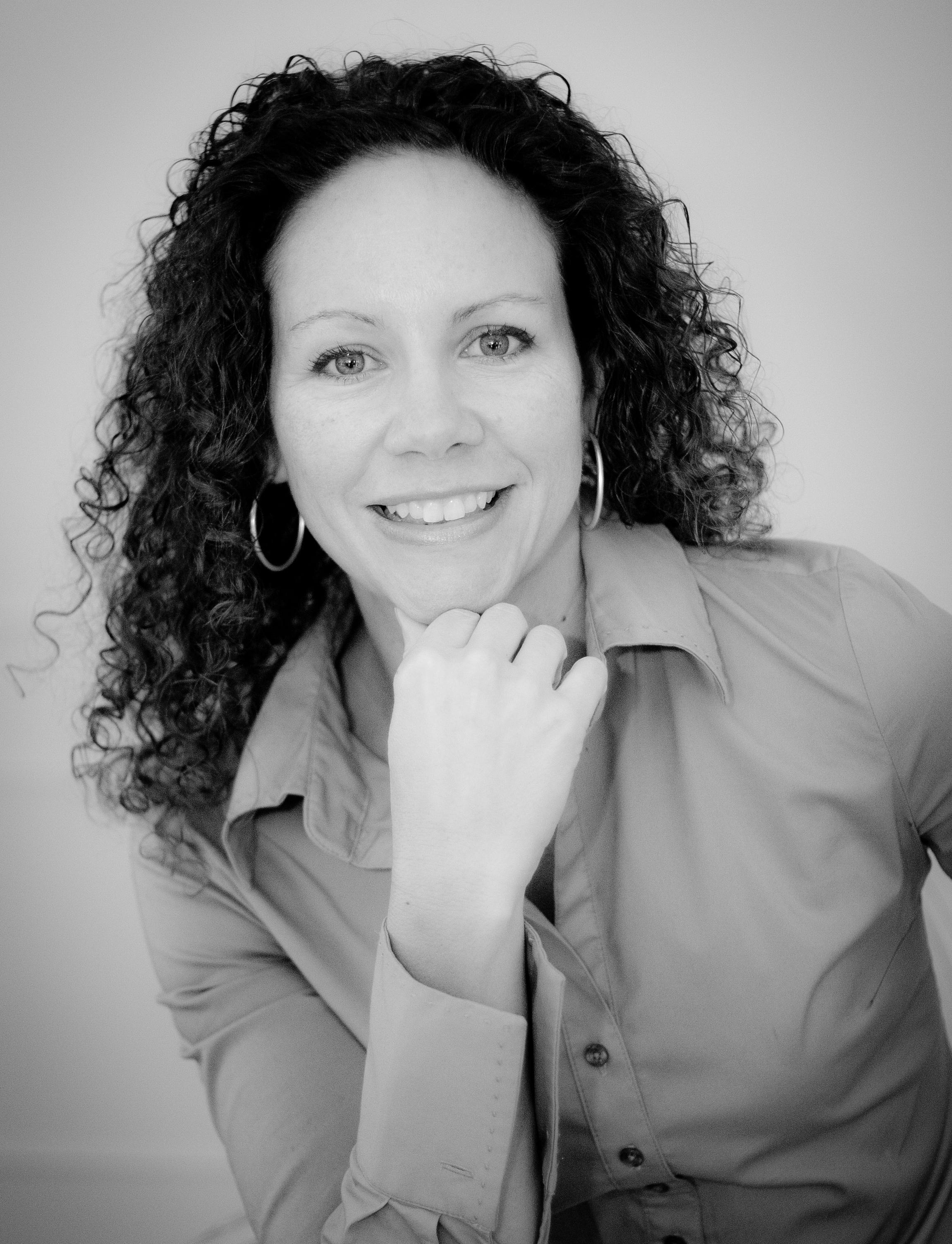 Laura Morelli author photo.jpg