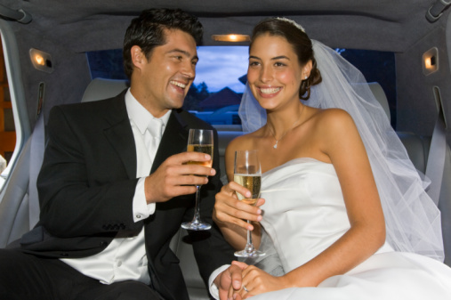 20-83111412- Champagne-Wedding-Limo.jpg