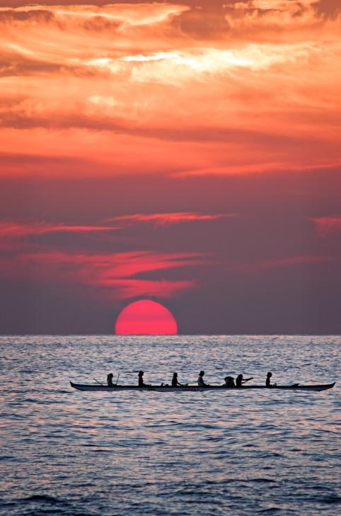 40-134113042-Sunset-Canoe.jpg
