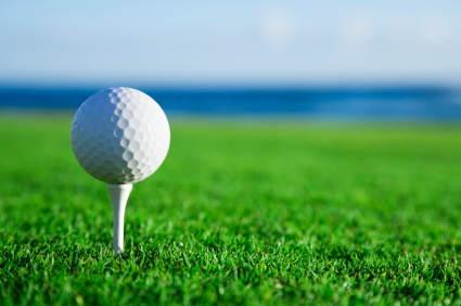 5-iStock_000006935444XSmall-golf-ball-on-tee-with-ocean-view.jpg