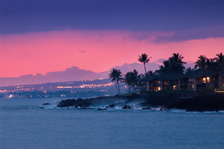 25-iStock_000001985411Small-hawaii-coast-at-night.jpg