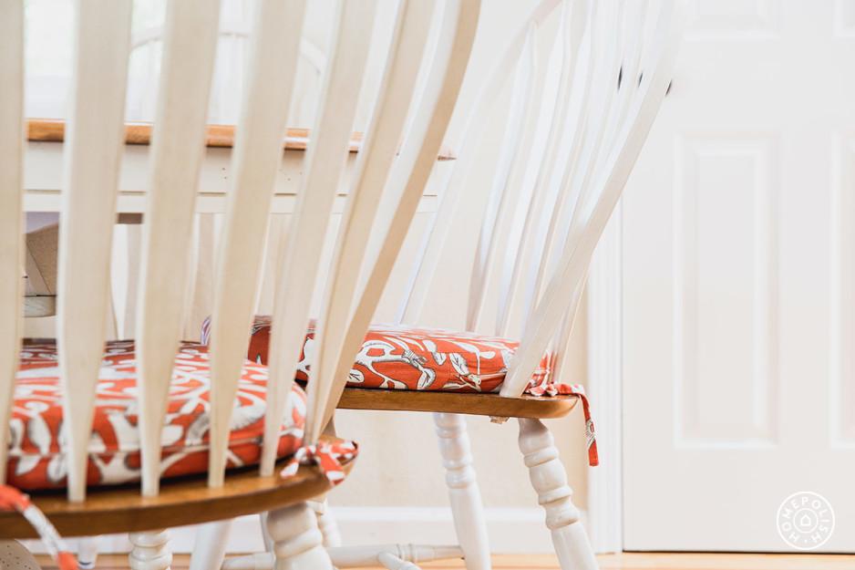 Bright Cozy Family Room 11.jpeg