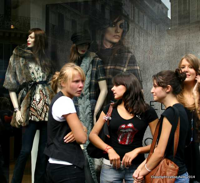 Les Jeunes, Paris