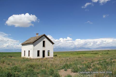 13-Empty house near Dunes.jpg