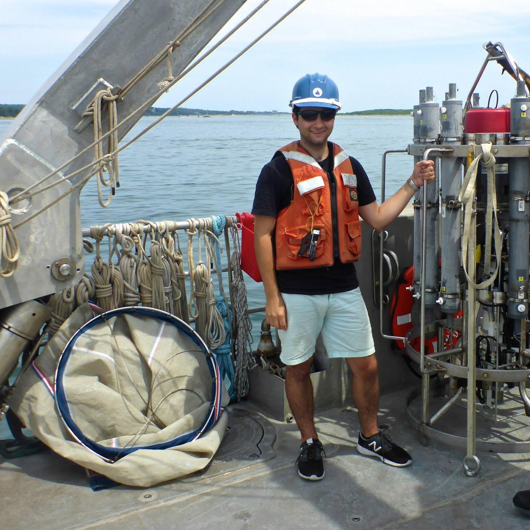 Day cruise on the R/V Tioga. Photo Credit: Ann Dunham
