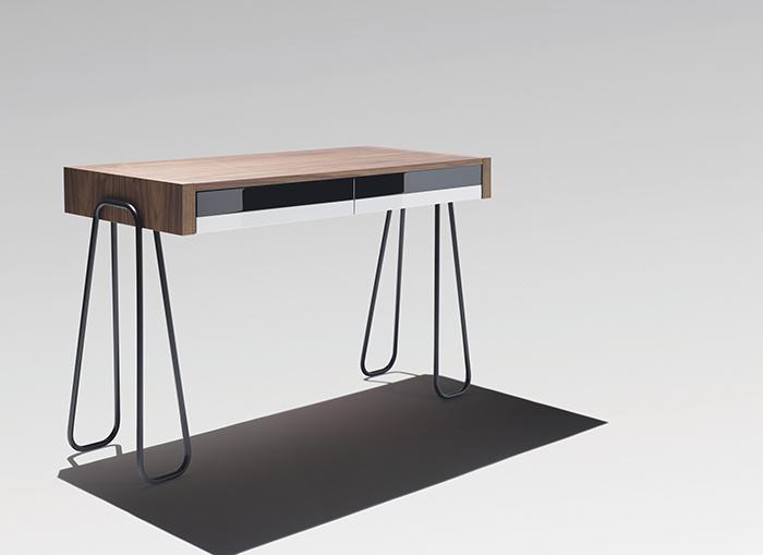 Retro and elegant designs reedited by Yota Design    Desk designed by JanineAbraham et Dirk Jan Rol
