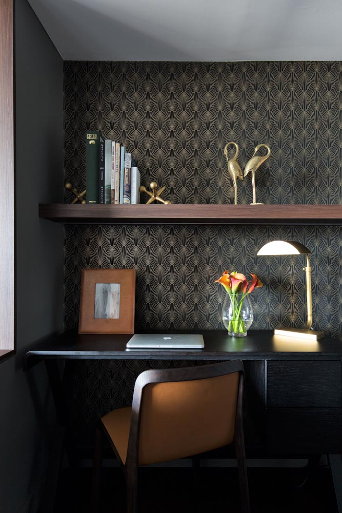 Tan coloured leathers lends a subtle softness to the surrounding darker tones in our  Bourke Street 2  study.