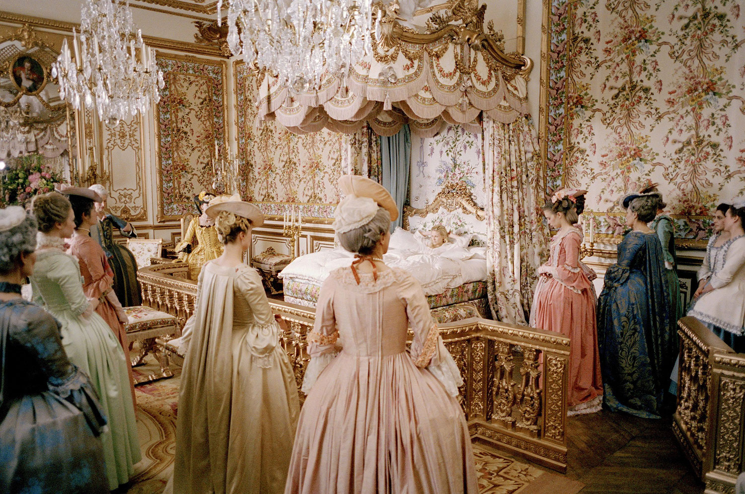 There can never be too much frou frou, particularly in  Marie Antoinette ! So opulent, so French, so chic at the Palace of Versailles.