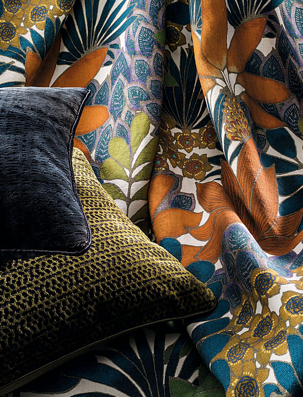 The 'idylle a Rio' printed linen fabric by  Misia  portrays a luxuriant and exuberant jungle in the style of the French artist Henri Rousseau, known as 'Le Douanier' (the customs officer). The pattern and colour palette gives a sophisticated wintry twist to the palm print we often see in summer.