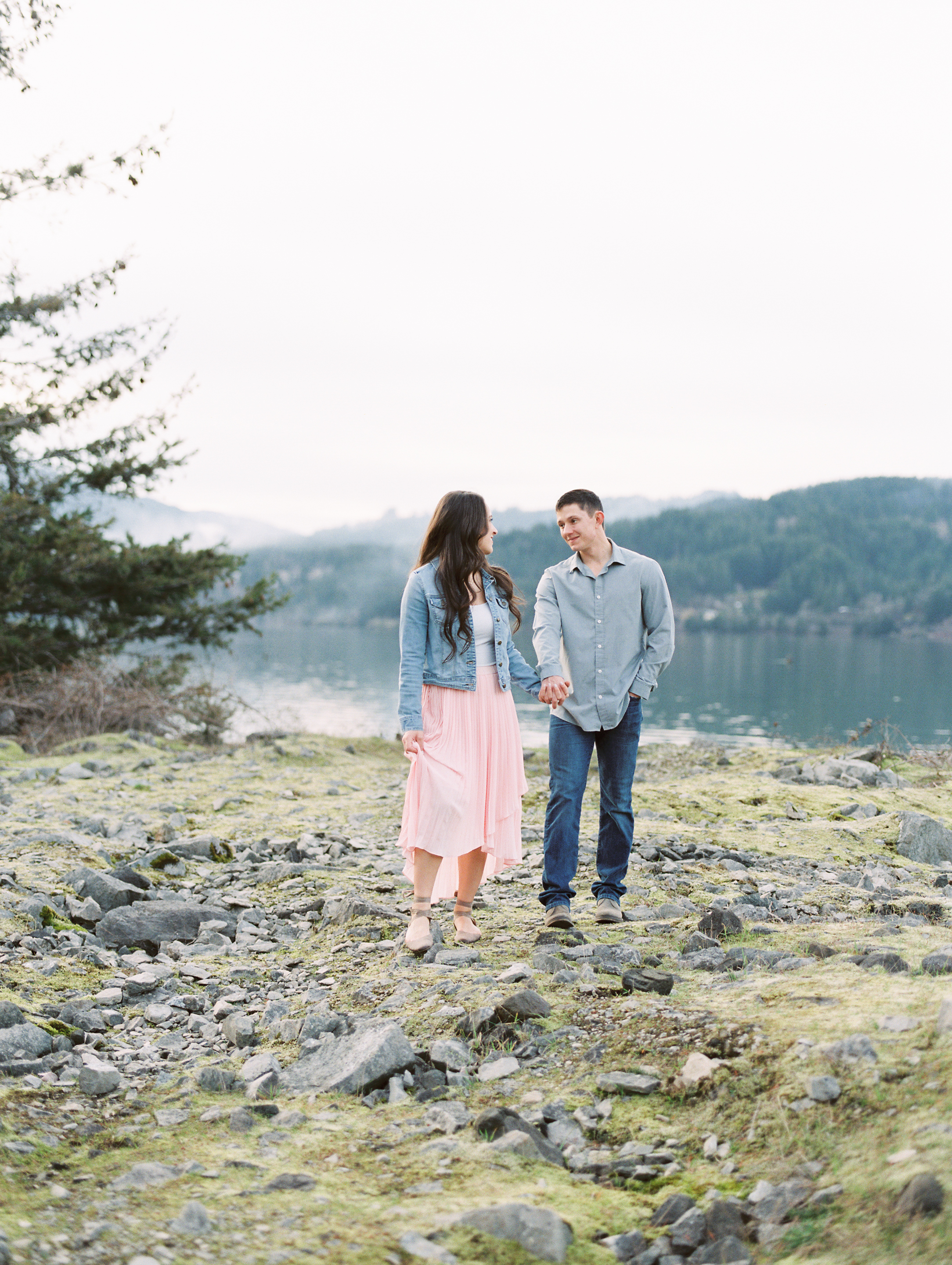 Jessica-and-Justin-Engagement-Columbia-River-Gorge-42.jpg