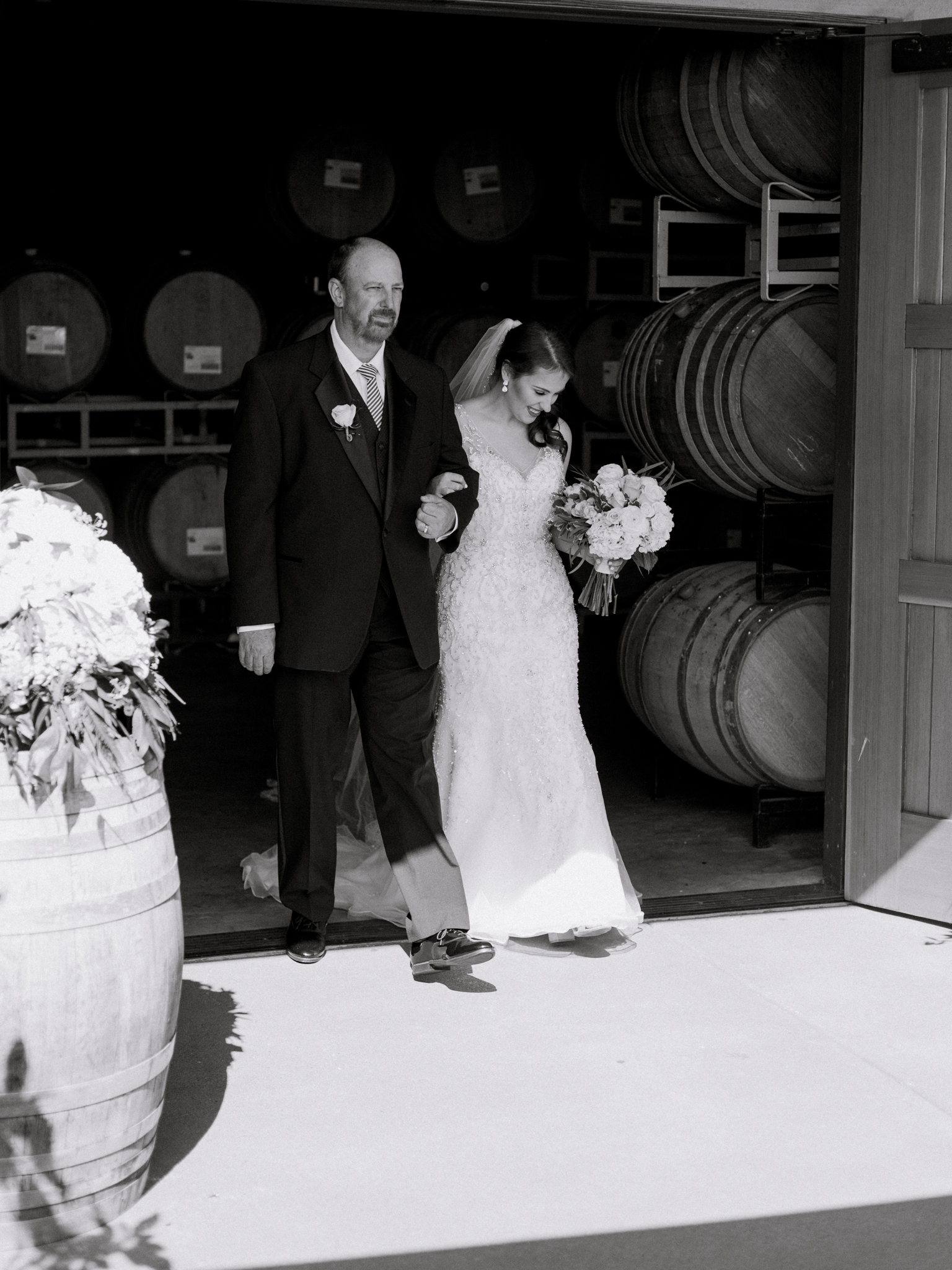 romantic-willamette-valley-vineyards-wedding-photography-21.jpg