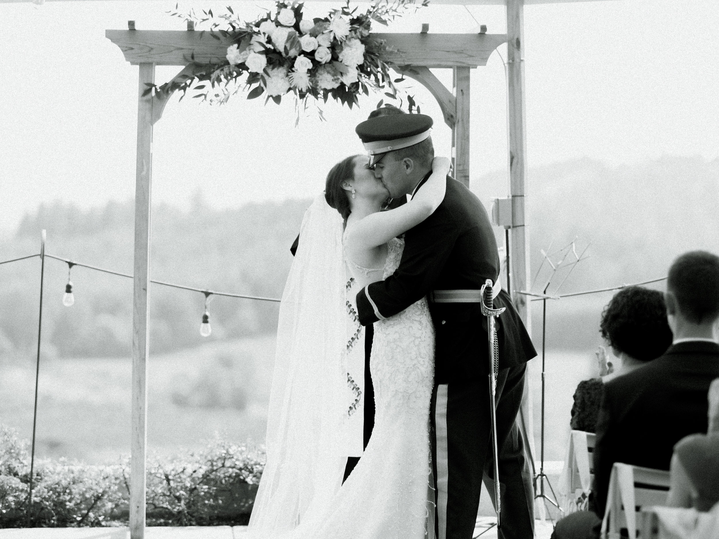 romantic-willamette-valley-vineyards-wedding-photography-28.jpg