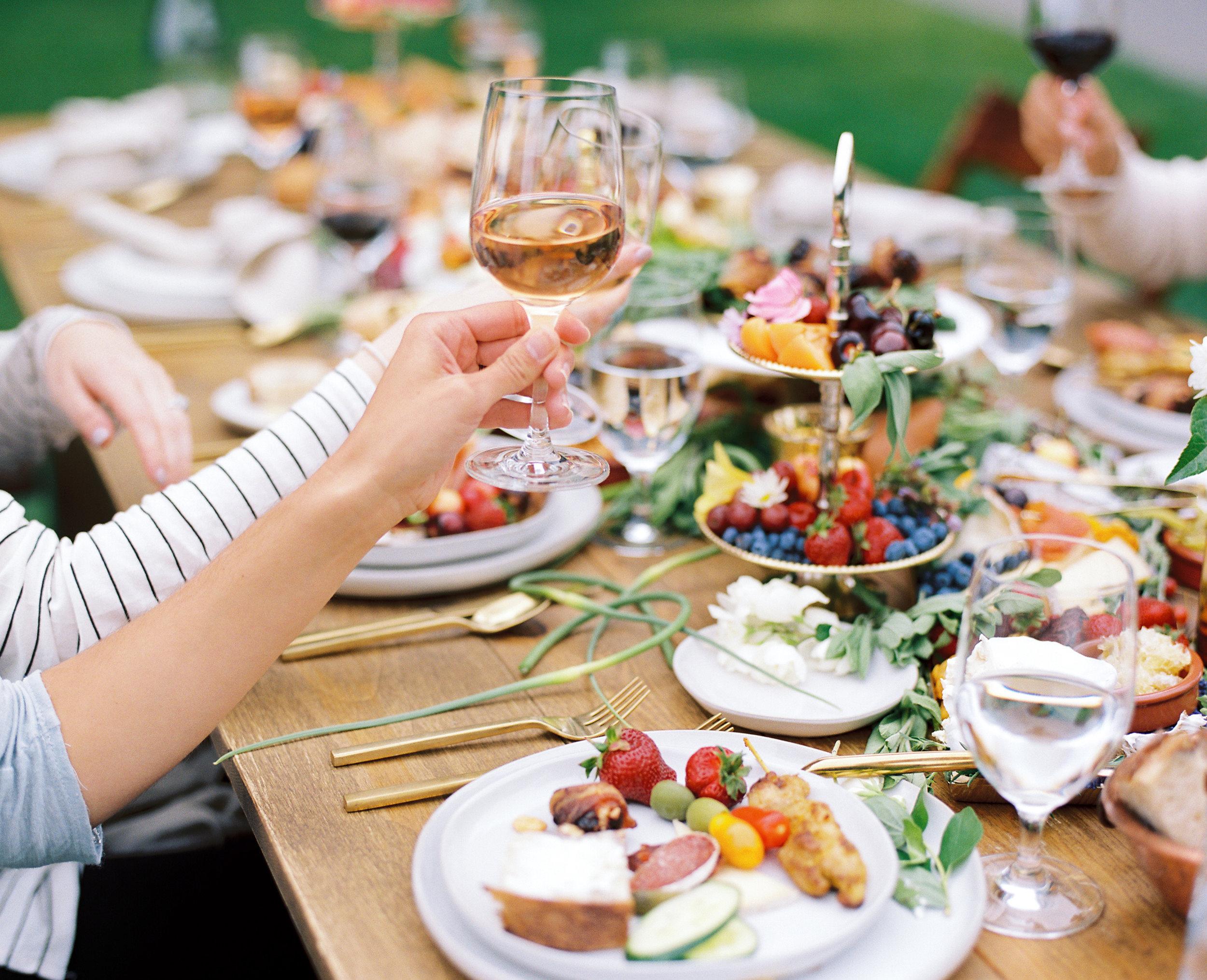 gorge-crest-vineyards-katie-dessin-wedding-photography-45.jpg