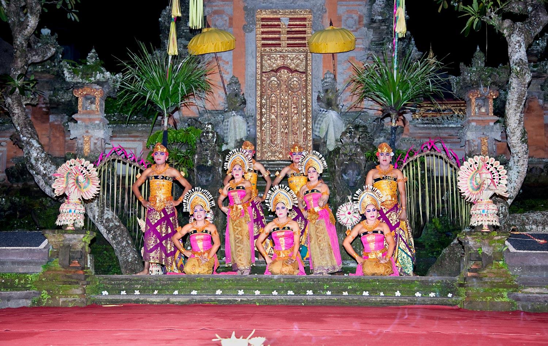 Dance performace at Ubud Royal Palace | Ubud, Bali