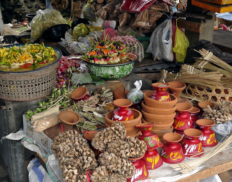 Ceremonial supplies shop | Gianyar, Bali