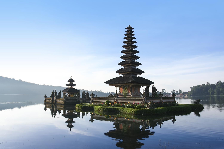 Hindu temple Pura Ulun Danu on Lake Brataan | Bedugal, Bali