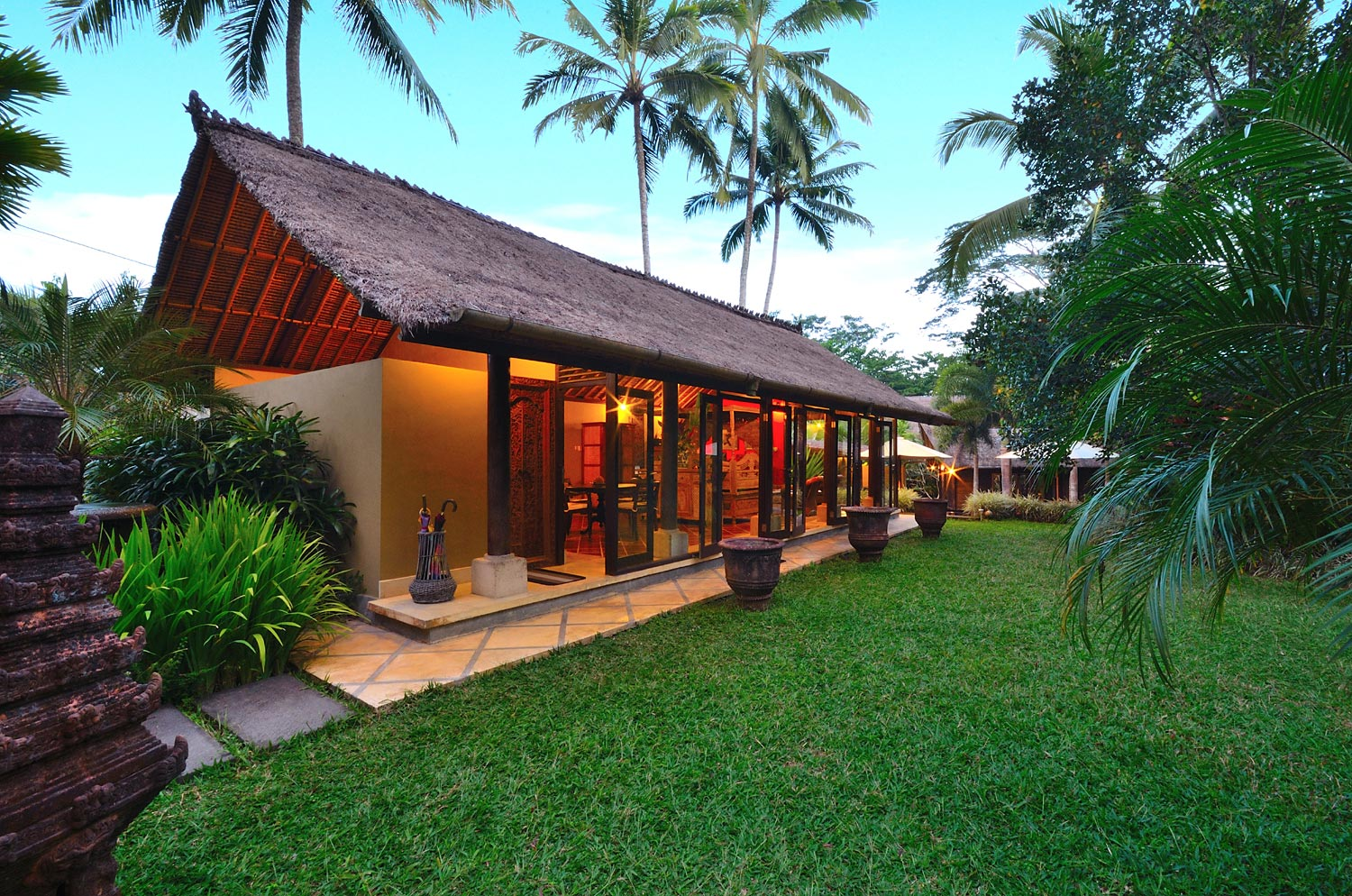 The heart of the villa: 'The Bale Benong' lounge and dining room |  Explore