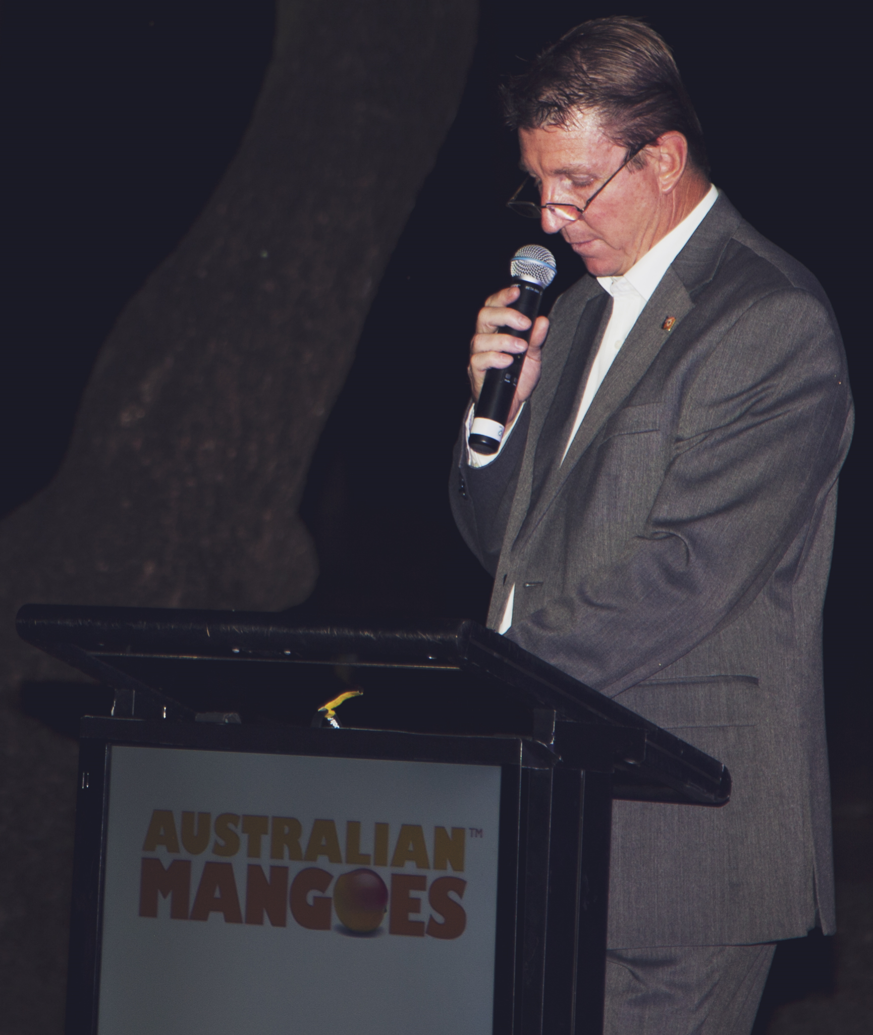 Northern Territory Minister for Primary Industry and Fisheries Willem Westra van Holthe opened the Conference at the Welcome Reception