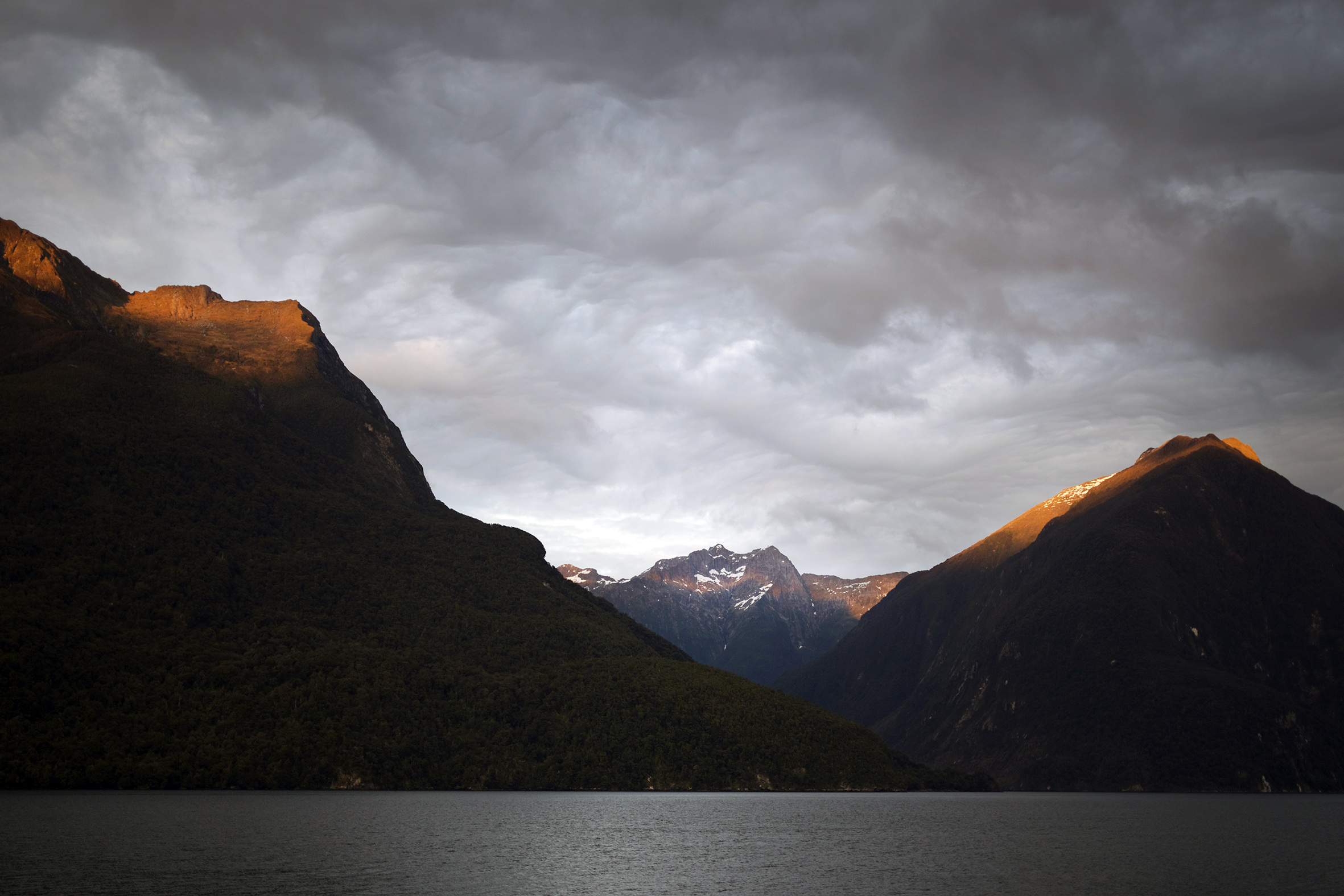 NZ mountain sun 2.jpg