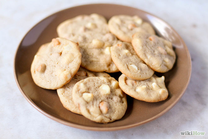 Whitney Donáe- Three Things I'm Loving Right Now: White Chocolate Chip Cookies